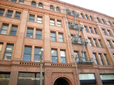 BLADE RUNNER's Bradbury Building Battle