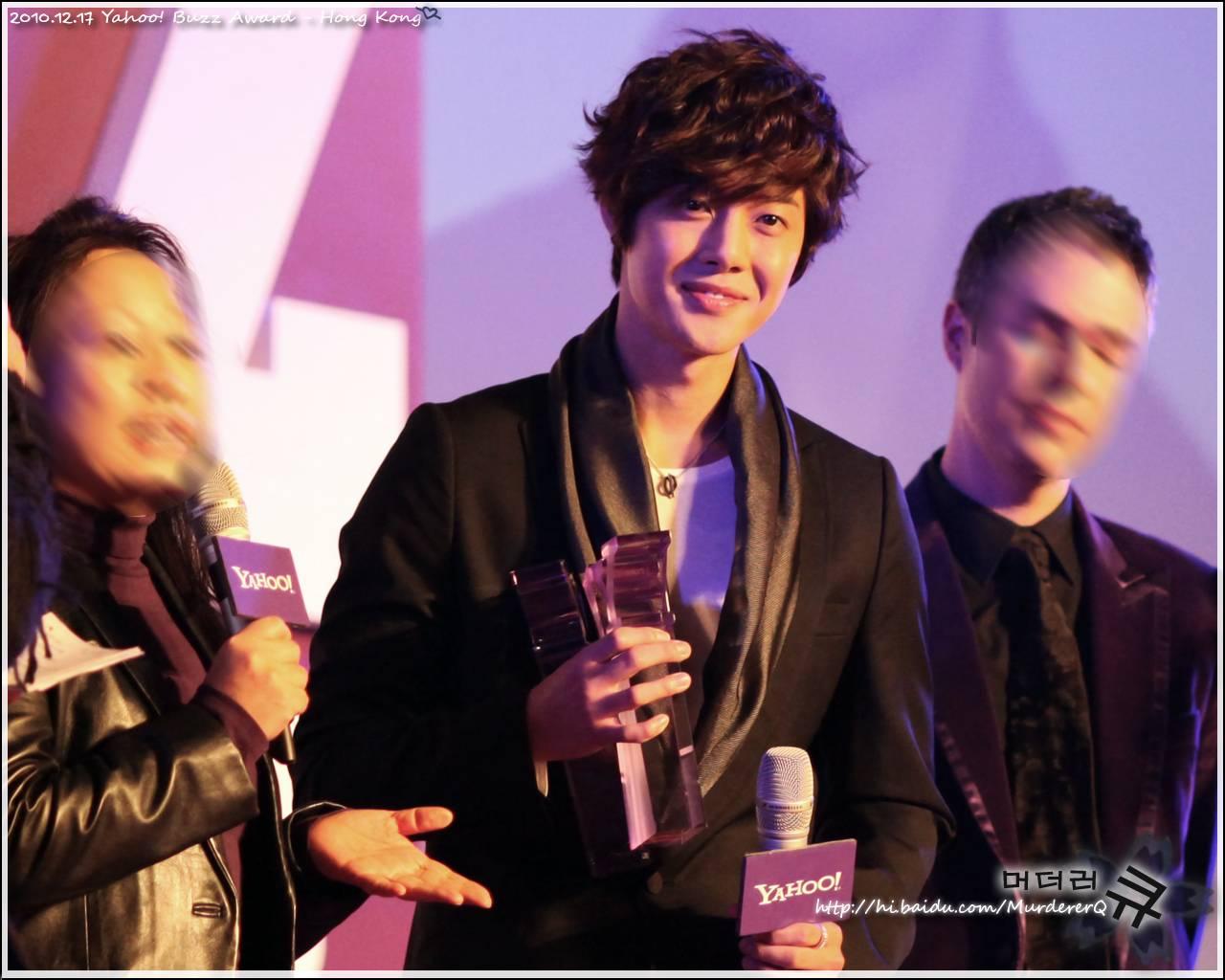 kim hyun joong ganador de los premios yahoo! asia buzz awars 2010 Kim+hyun+joong+buzz+2