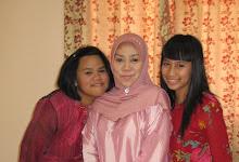 Isteri bersama anak-anak