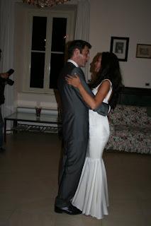 Maya Karin & Suaminya Saling Berdansa - Romantiknya