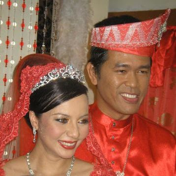 (Gambar)majlis perkahwinan berinai Adlin Aman Ramlie dan Emelda Rosmila | PERKAHWINAN artis malaysia, news, scandal, gossip, Weddings, Families, Divorces of Celebrities
