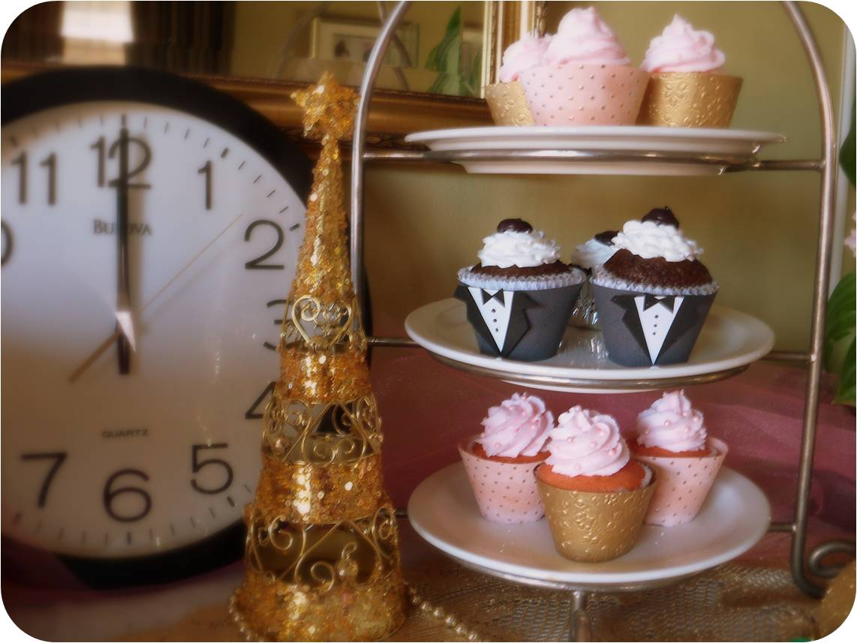 http://4.bp.blogspot.com/_r4c80ZXXzGo/TSQi2_zbENI/AAAAAAAAB8w/9tSUlsTxMLI/s1600/Cupcake+Stand.jpg