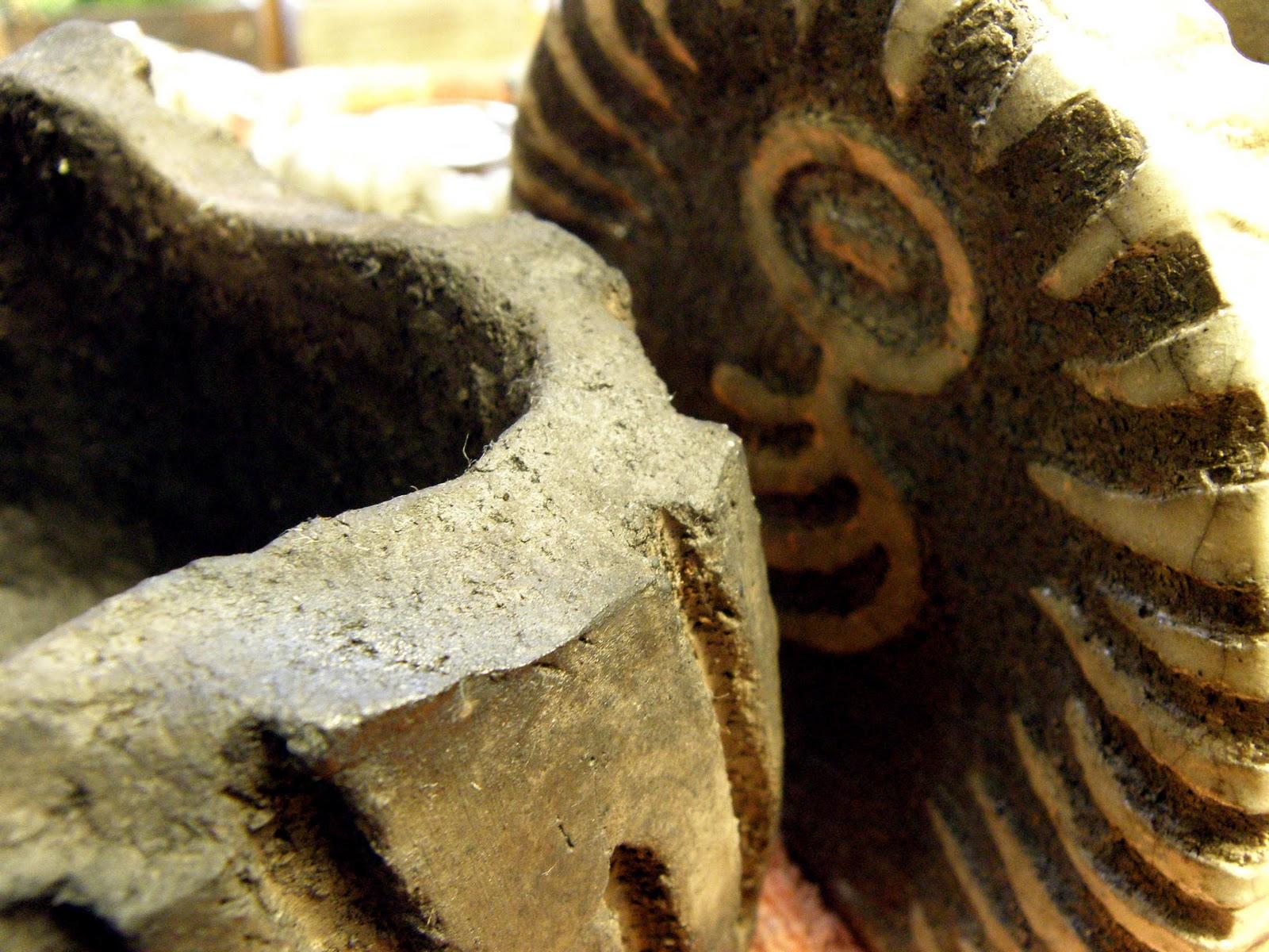 two lives einklang werkstatt atelier das raku keramik brennen im garten ist vorbei und. Black Bedroom Furniture Sets. Home Design Ideas