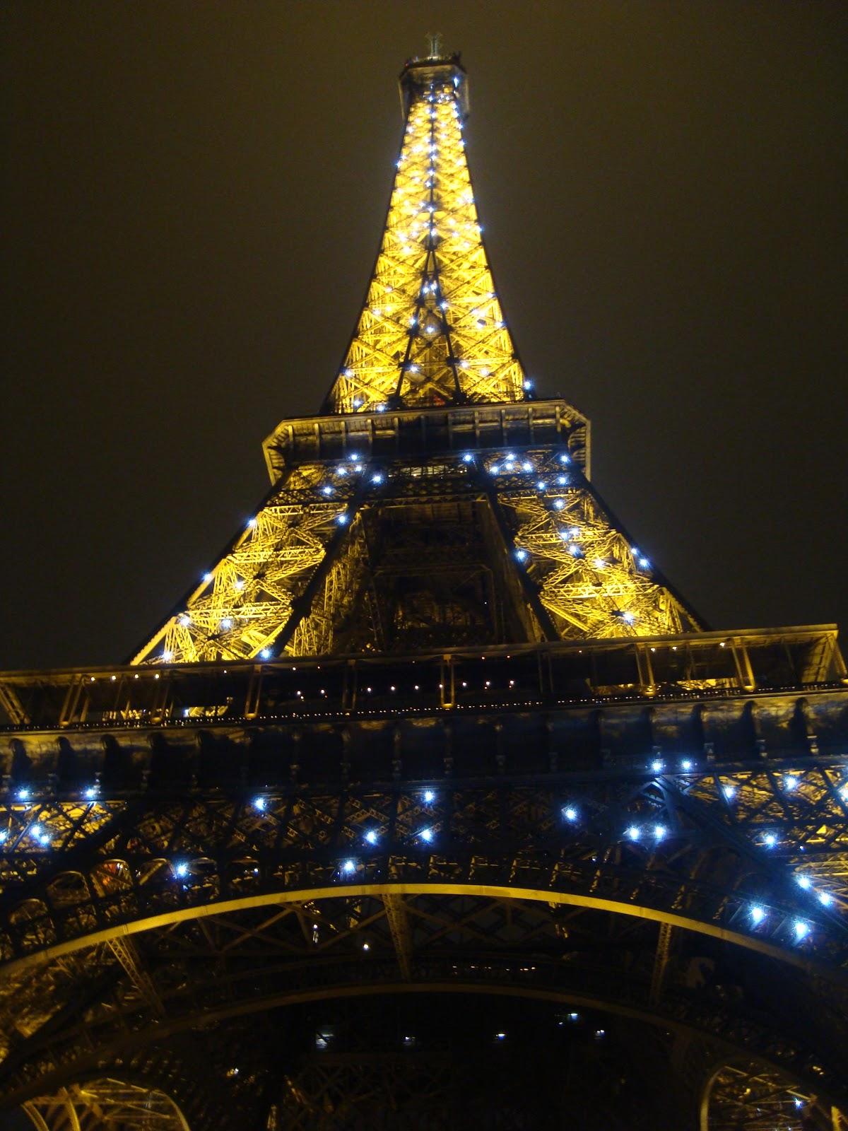 Denis s Blog: Twinkle lights - Eiffel Tower