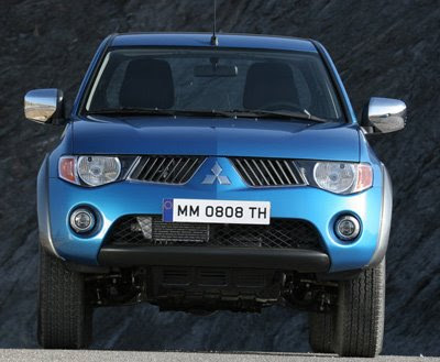 Mitsubishi L200 Club Cab   Popular Automotive