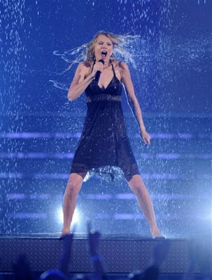 taylor swift wet
