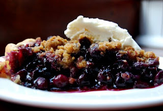 crumble blueberry cake pic