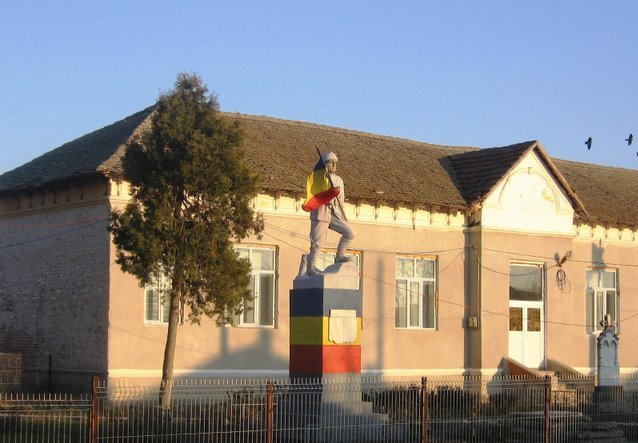 Monumentul eroilor rogoveni din razboiul 1916-1918