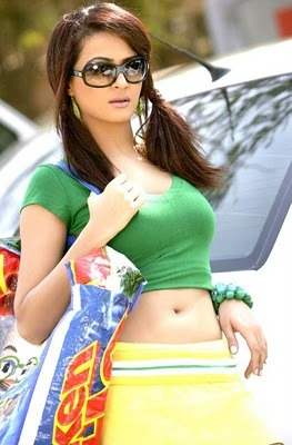 Hub Web Surveen chawla in comedy circusimages photossurveen