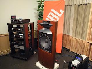 大阪ハイエンドオーディオショウ 2009 JBLブースのProject K2 S9900スピーカー