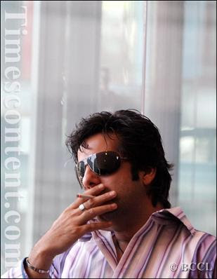 Fardeen Khan caught smoking