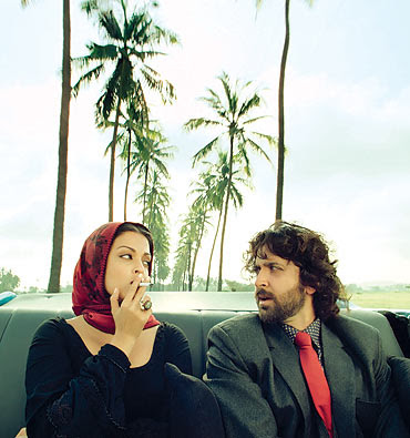 Aishwarya Rai seen smoking a cigarette in Guzaarish with Hrithik Roshan
