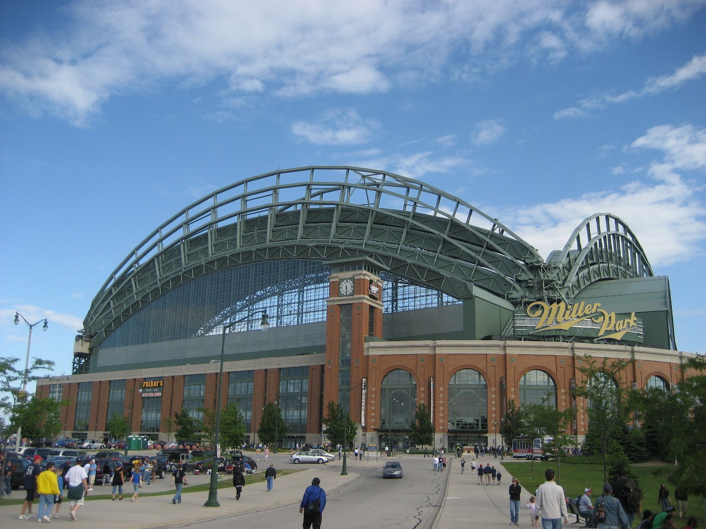 Milwaukee Brewin': Brewers Pass 1 Million Tickets Sold For ...