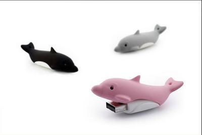 Adorable dolphin memory stick