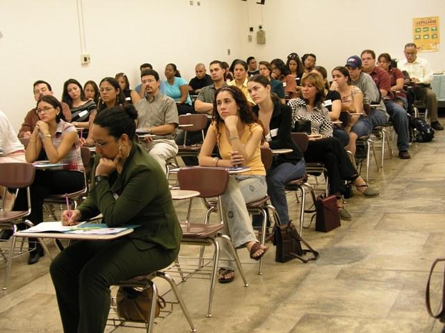 http://4.bp.blogspot.com/_rA9heNspOrQ/R1I7J_tQ-7I/AAAAAAAAALY/O4LzsdBacRo/s1600-R/CasaAbiertaUniversitarios3.jpg