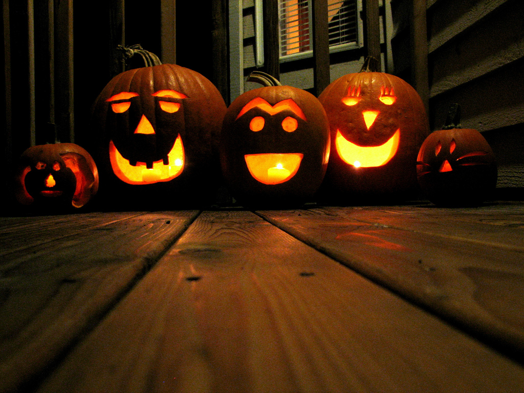 Deck the holiday 39 s tips for keeping your jack o lantern - Halloween jackolantern ...