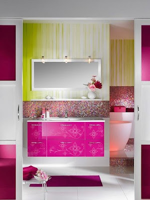 Bathroom Wallpaper on Colorful Bathroom With Luxury Bathroom Furniture And Bathroom
