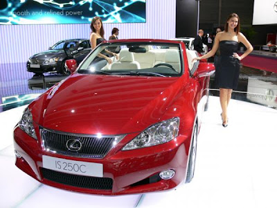 Lexus-IS-250-C-auto-girl