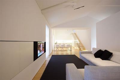 Luxurious-white-house