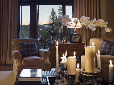 Romantic-living-room-design-with-romantic-candle-lighting