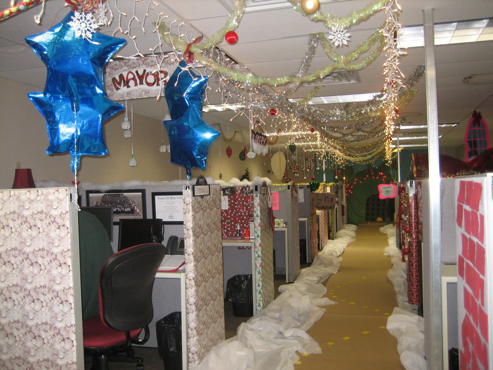The ivesons christmas office decorating contest for 12 days of christmas decoration theme