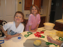 A Holiday tradition of ours is we go to Nannies & Poppies house and decorate sugar cookies.