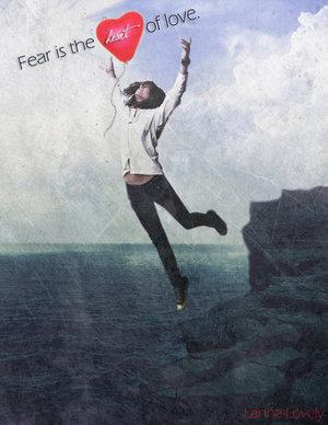http://4.bp.blogspot.com/_rF8_KaKsWtI/S9ogqgD9_fI/AAAAAAAAALU/a21iJn4ICPQ/s1600/Fear_Is_The_Heart_Of_Love_by_a_lanna.jpg