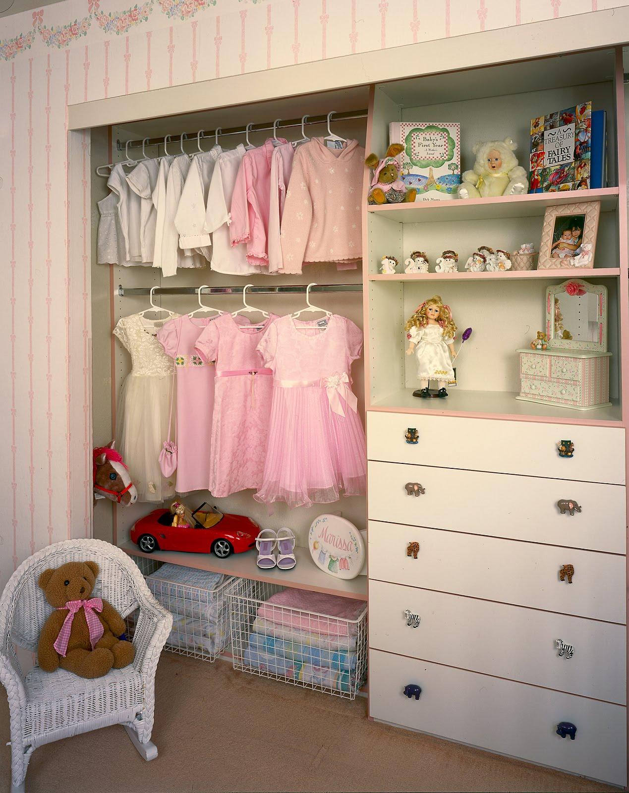 Malka in the closet children 39 s custom closets for Childrens closet