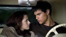 tu mirada es la unica que me protegio; tu calor lo senti, tu amor me estaba atrapando
