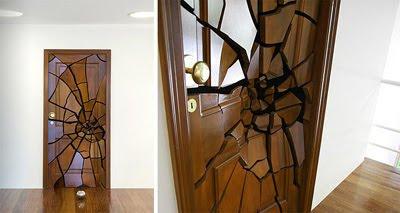Amazing Shattering Door House Design