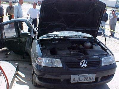 Carro explodiu quando dono tentou abastecer botijao de cozinha com gás GNV