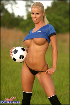 girls sports topless