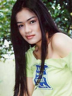foto sexy titi kamal artis indonesia, mesra dengan christian sugiono
