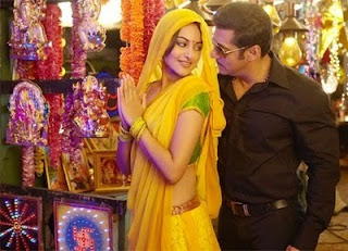 Sonakshi Sinha Hot Photos, Sonakshi Sinha Wallpapers Dabangg Movie
