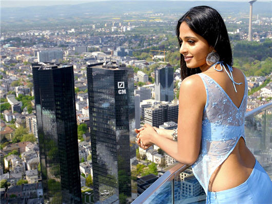 Anushka Shetty hot 2011