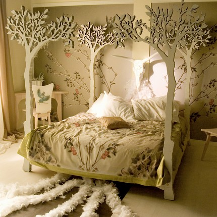 under+the+apple+tree+canopy+bed.jpg