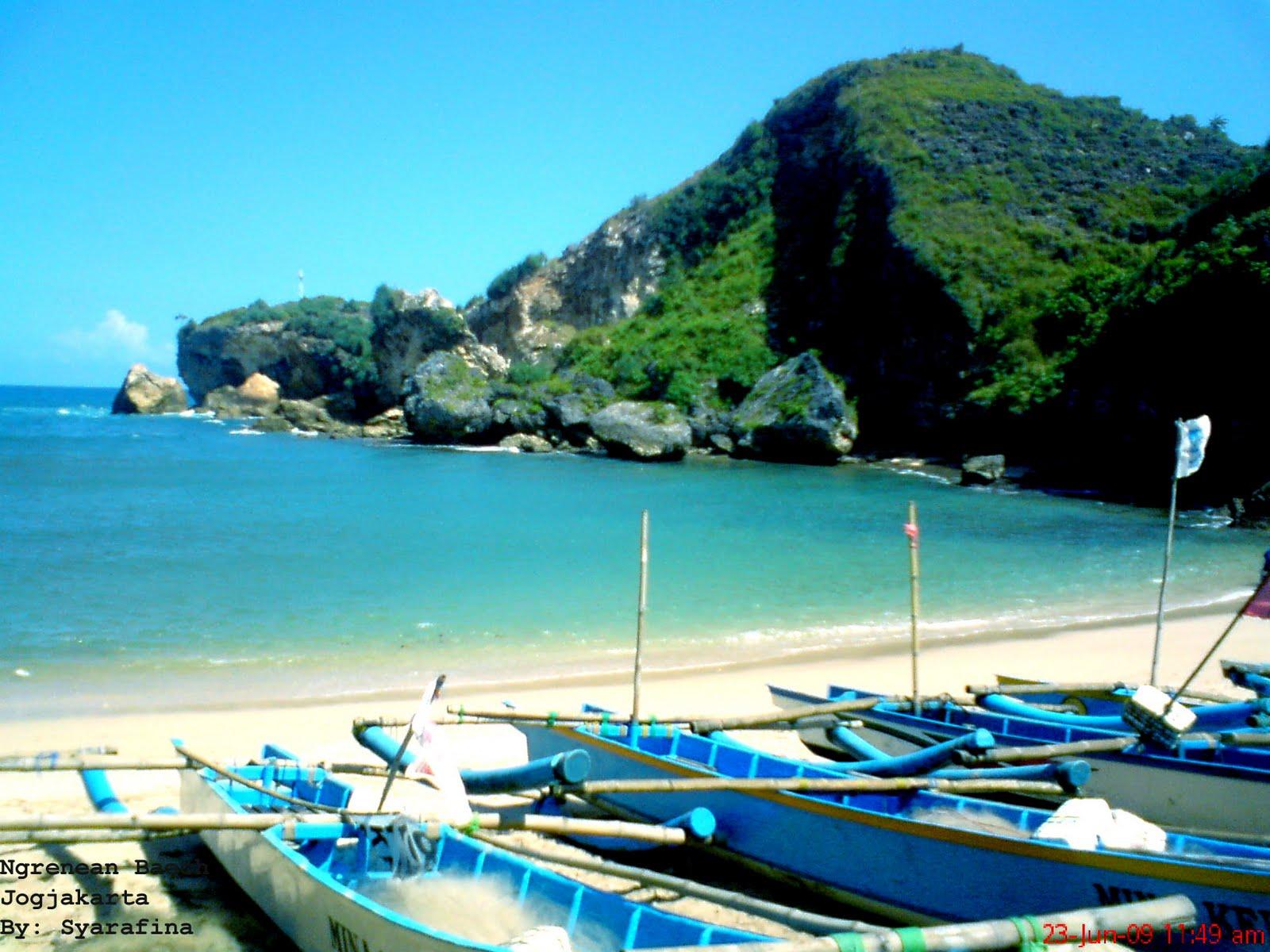 Pantai Ngrenean (c) Syarafina