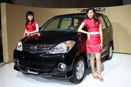 http://4.bp.blogspot.com/_rNbmEDh_8vo/TGrQJW_C7vI/AAAAAAAABWg/VlwpN3Qcmcs/s1600/Toyota_avanza.jpg