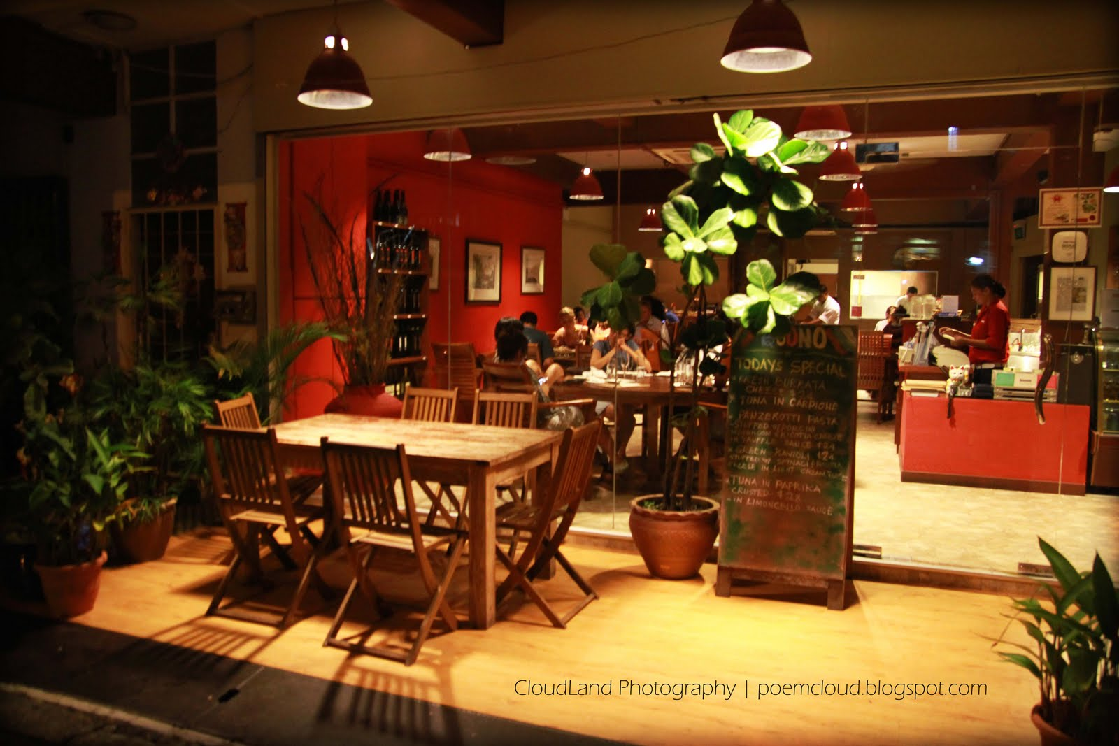 Cloudland buono pizza bar italian restaurant for Pizza restaurants