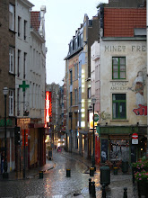 Callejear bajo la lluvia en Bruselas