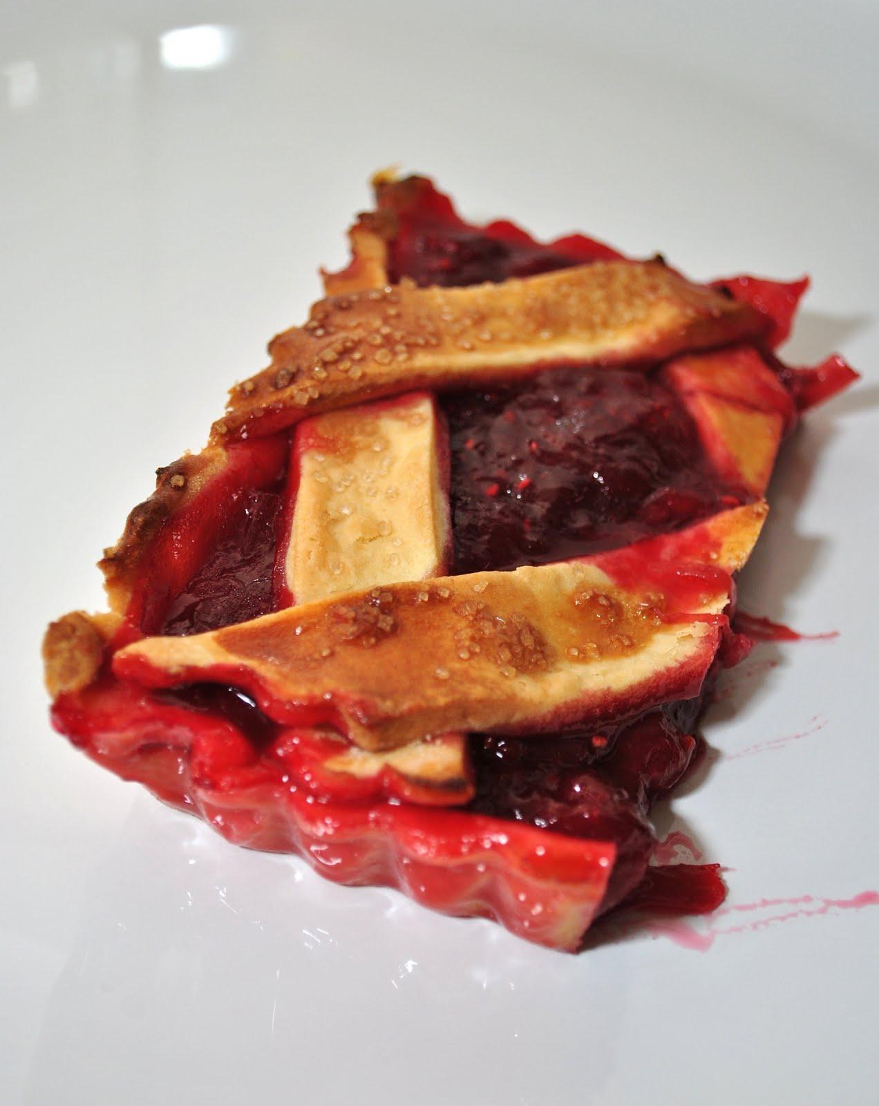 Scandi Home: Rhubarb and raspberry crostata