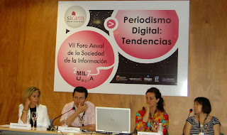Imagen de los ponentes de la conferencia, fotografia de Maria Hernandez