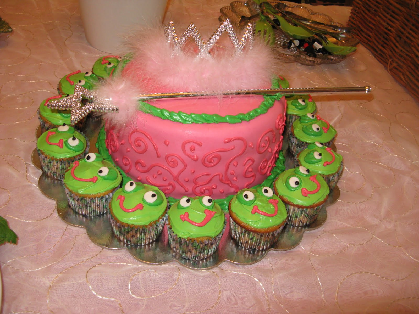 can do cakes baby shower frog princess theme