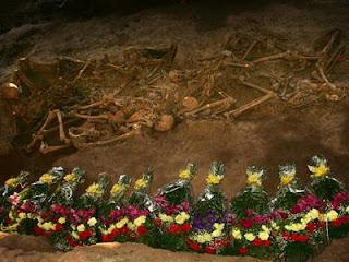 El asesino del tricornio. La interminable represión fascista en Extremadura. 1236780141631fosasdn