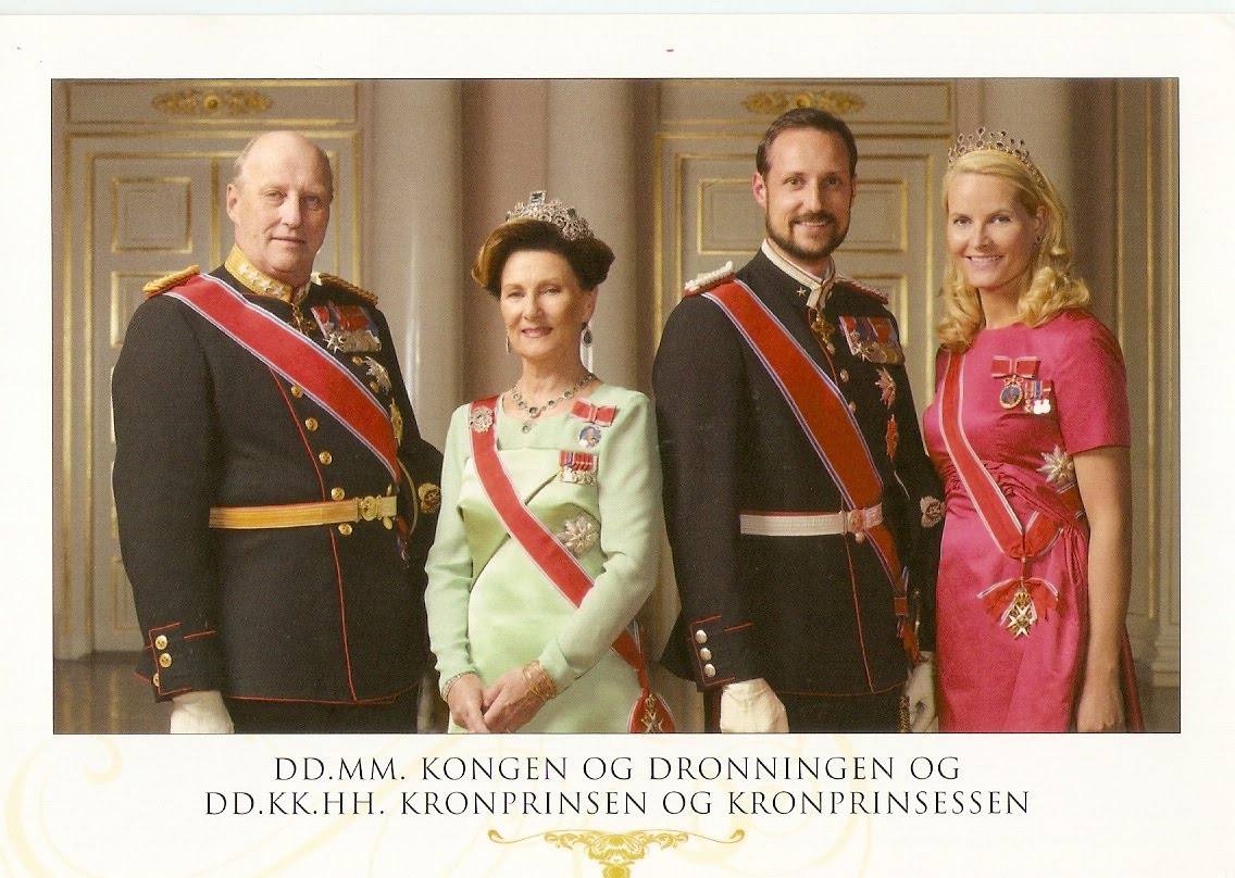King And Queen Of Norway http://smspostcard.blogspot.com/2010/03/norway-royal-family.html