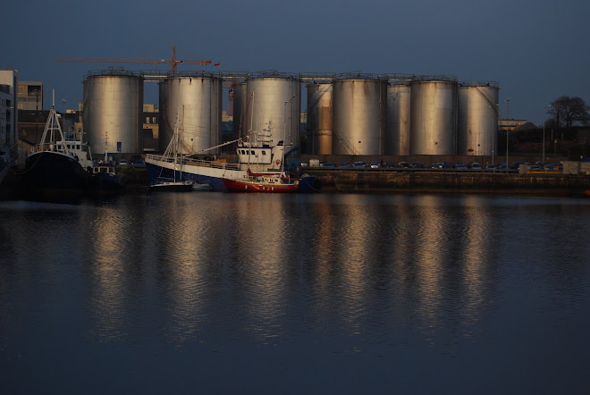 GALWAY HARBOUR COMPANY CONFIDENT OIL TANKS