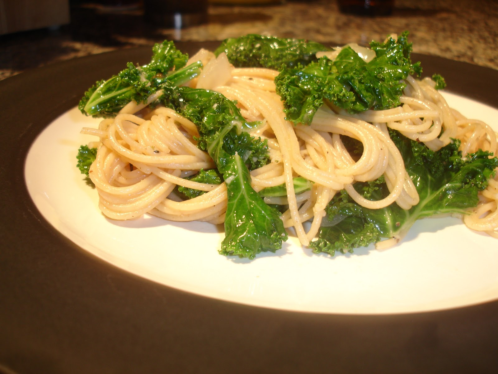 Runner Foodie: Spaghetti with Braised Kale