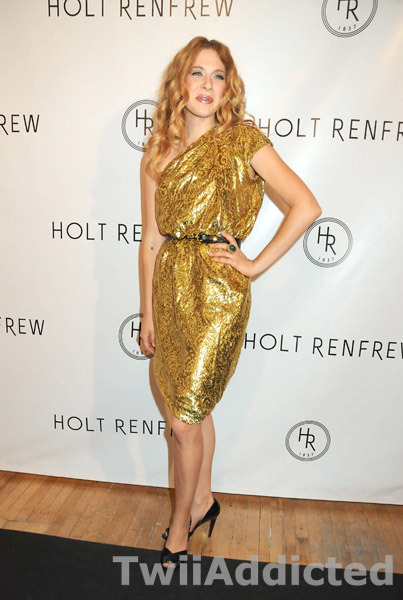 [58328161twiaddicted917200950958PM-Holt+Renfrew+launch+of+Vignettes.jpg]