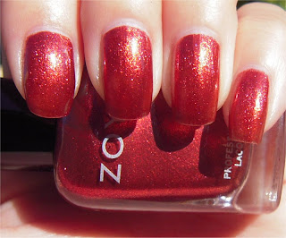 bronzy red sparkle nail art