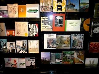 アルマーニビル のBOOKコーナー写真。